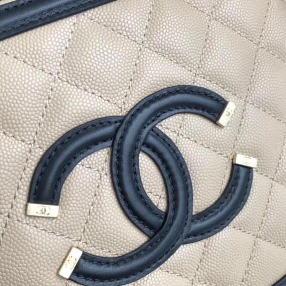 288a5ba49eb169 CHANEL Handbags - Small CHANEL CC Filigree Vanity Bag, NUDE/Black